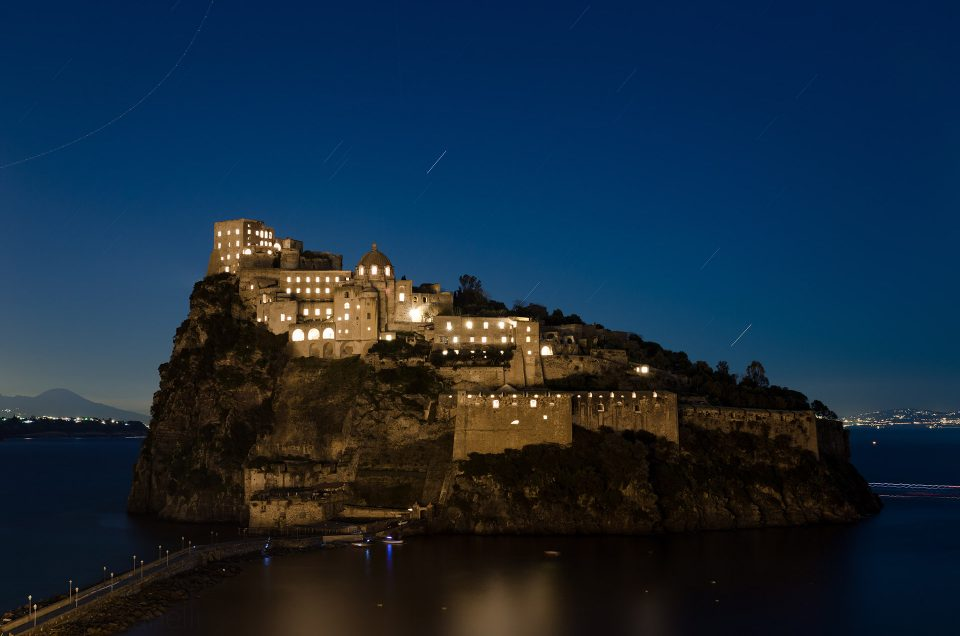 Visit the Aragonese Castle of Ischia by taxi