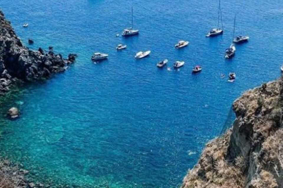 Raggiungi le spiagge di Ischia in taxi